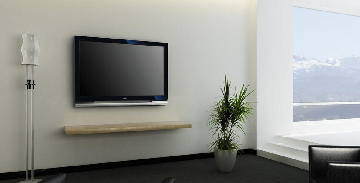 テレビ角度は低所での壁掛けよりも大きくついてしまいますが、視野角は正面からでも横からでもしっかりと確保することができました。